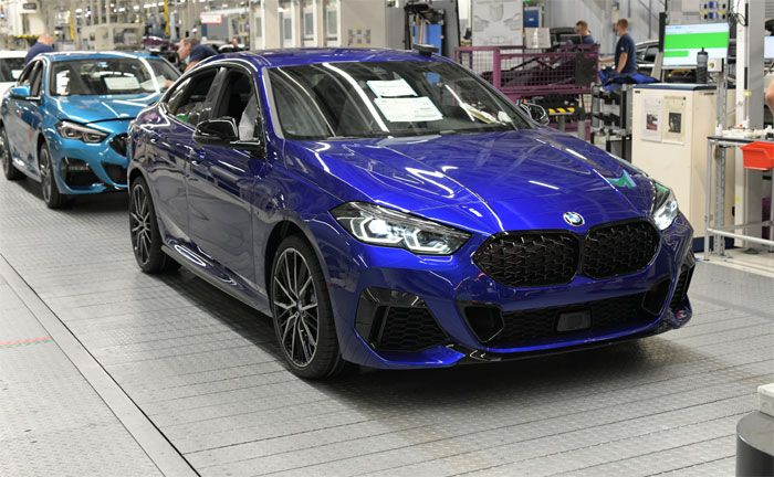 BMW 2er Gran Coupé aus dem BMW Group Werk Leipzig in Individual Sonderlackierung San Marino Blau
