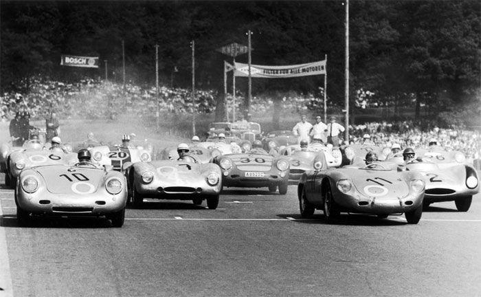 Solitude 1956: Hans Herrmann pilotiert den Porsche 550 A Spyder