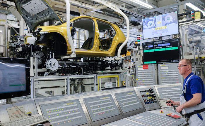 VW unter Strom - 34 Milliarden Euro für Elektroautos