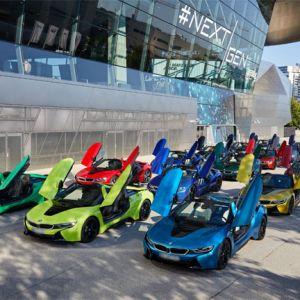 Übergabe der letzten 18 BMW i8 Roadster in der BMW Welt in München