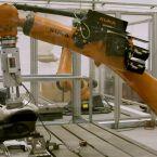 """Der """"Robutt"""" simuliert das Gesäß eines verschwitzten Autofahrers und testet die Feuchtigkeitsresistenz der Fahrzeugsitze."""