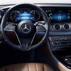 Mercedes-Benz E-Klasse Limousine, 2020, Studio; Interieur: Leder Nappa nussbraun/schwarz, Zierteile Metallstruktur