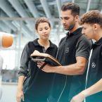 """Schülerinnen und Schüler die Möglichkeit, sich im Rahmen der Bewerberwoche """"Let's Benz"""" einen Ausbildungs- oder dualen Studienplatz im Mercedes-Benz Werk Rastatt zu sichern"""