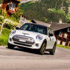 MINI Cooper SE auf seinem Kurztripp durch die Schweiz