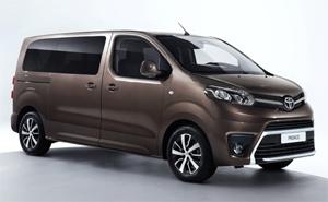 Toyota Proace Verso Auf Dem Genfer Autosalon 2016
